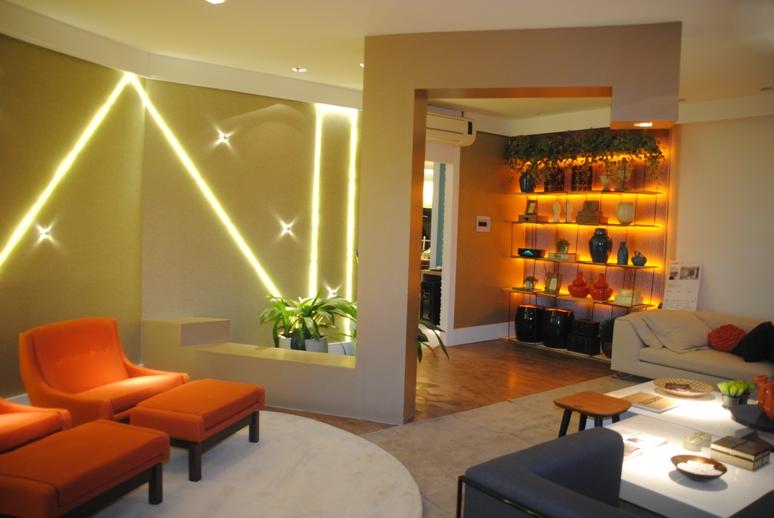 Laranja Na Sala De Estar ~ Cores vibrantes e decoração clean na sala de estar