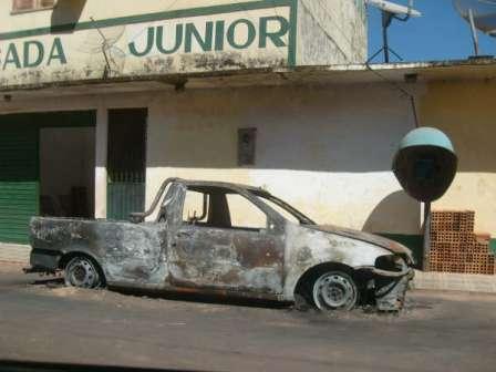 carro-incendiado2.jpg