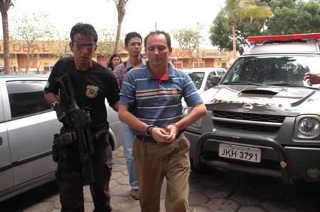 Gonzaga sendo conduzido à sede da PF após ser preso pela Rapina