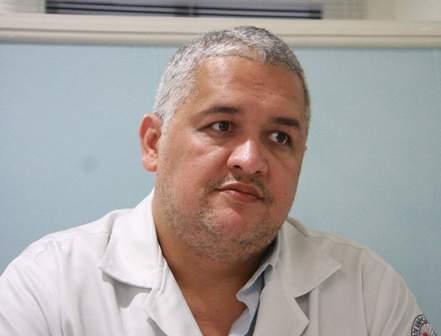Santiago Servin: apdrinhamento político atrapalha o sistema de saúde