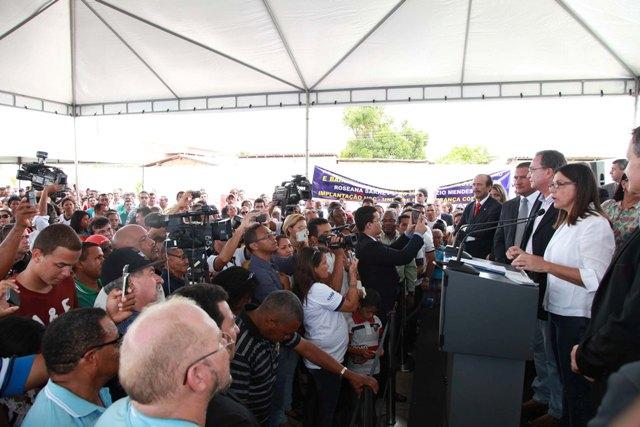 Moradores dos bairros, autoridades e imprensa prestigiaram a inauguração da unidade
