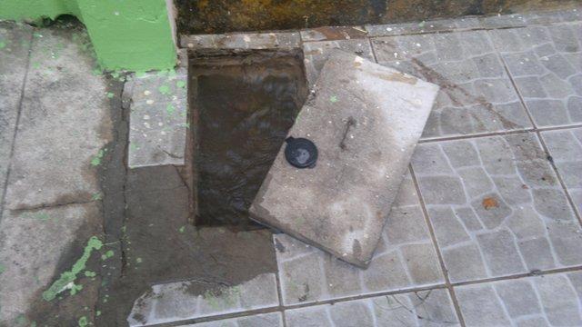 Bandidos têm facilidade para praticar o furto, já que em muitos imóveis o aparelho fica na calçada