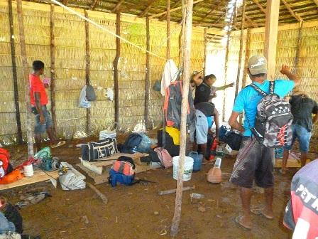 Trabalhadores deixam alojamento após fiscalização do MPT