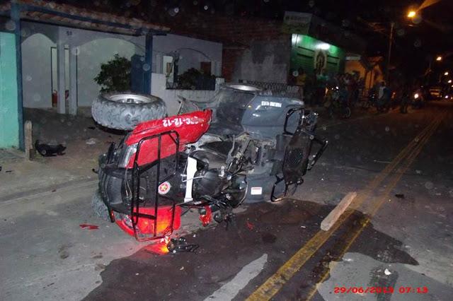 Quadriciclo da PM foi depredado por parentes e amigos da vítima dos tiros efetuados pelo policial