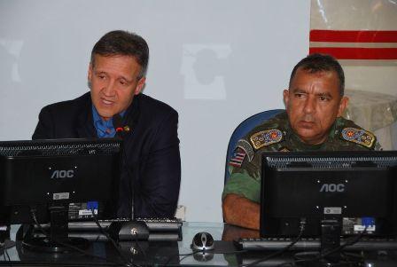 Secretário de Segurança, Aluísio Mendes, e comandante geral da PM, coronel Franklin Pacheco, participaram da reunião