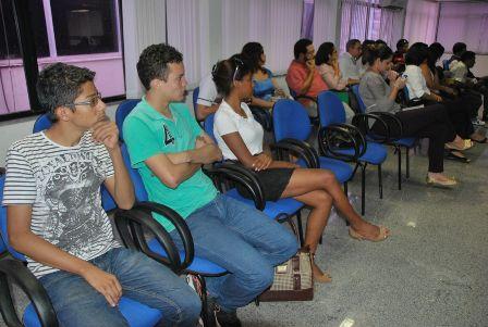 Representantes de movimentos sociais acompanharam as discussões