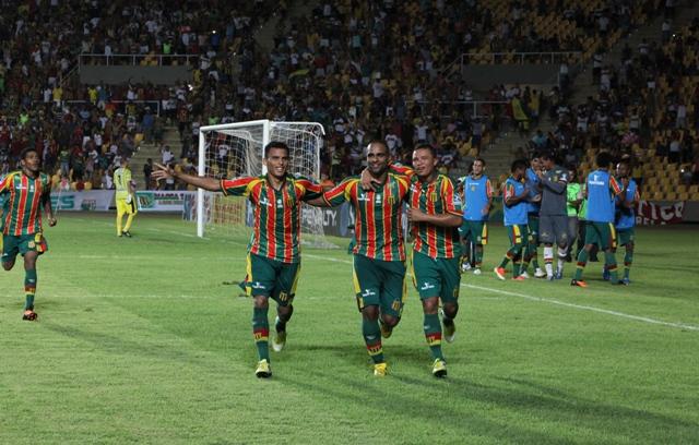 Jogadores do Sampaio festejam gol contra o Treze; comemoração já se repetiu 19 vezes na Série C