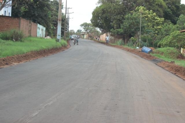 Estrada de Iguaíba também teve o pavimento totalmente recuperado, melhorando a trafegabilidade