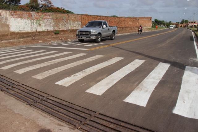 Avenidas também receberam sinalização de trânsito horizontal, melhorando a segurança para motoristas e pedestres