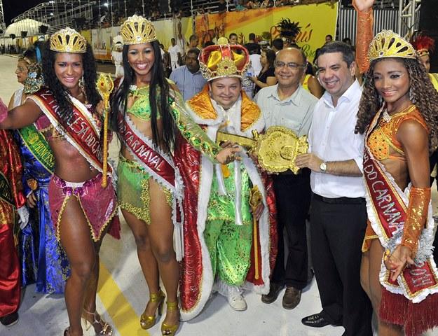 """Com o tema """"Batuca Brasil na Passarela da Folia"""", o carnaval organizado pela Prefeitura de São Luís seguirá até a Terça-Feira Gorda(4)"""