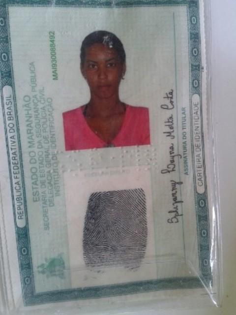 Carteira de identidade em nome de Sphefanny Costa, que frequentava o esconderijo da quadrilha, no Maiobão
