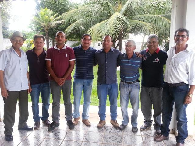 José Inácio com lideranças políticas em Fortuna, durante a vaquejada