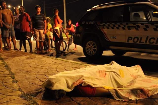 Elisãngela Carvalho Azevedo, assassinada na Ilhinha, foi uma das vítimas da violência em julho (Foto: Douglas Jr.)