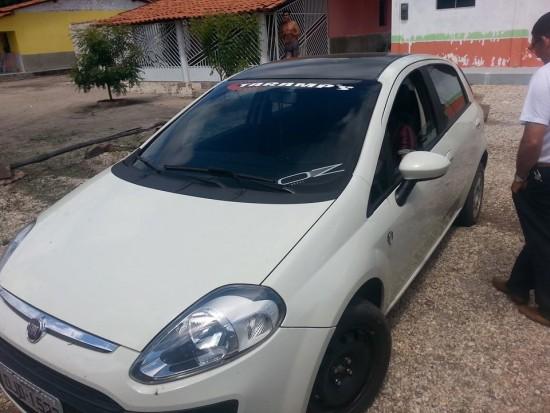Carro utilizado no atentado contra a vereadora Fernanda Maria