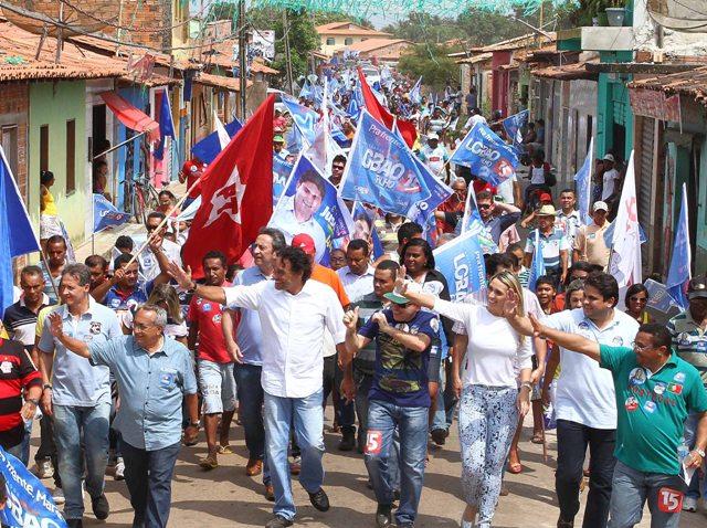 Durante caminhada em Cajari, Lobão Filho reforçou sua mensagem de fé, esperança e convicção em um novo e renovado Maranhão