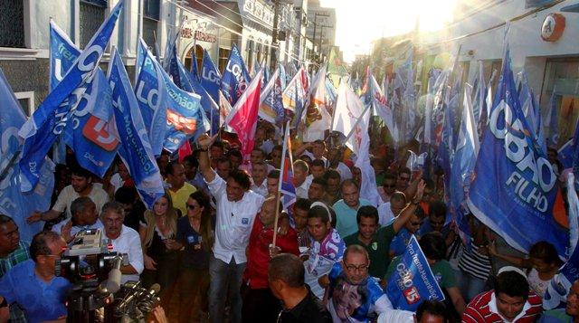 Mais de 10 mil pessoas acompanharam Lobão Filho no cortejo pela Rua Grande