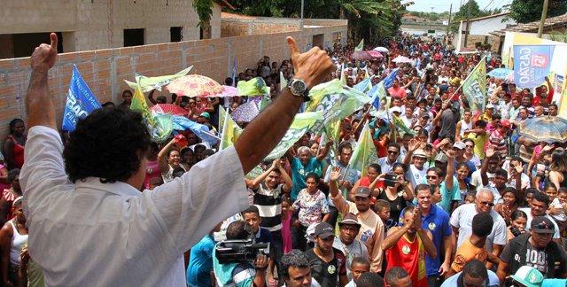 Lobão Filho saúde a multidão que prestigiou ato político comandado por ele em Turilândia