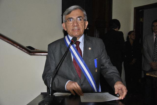 """Nataslino: """"homenagem é reconhecimento ao trabalho de construção e desenvolvimento da UFMA em prol do bem estar da sociedade maranhense"""""""