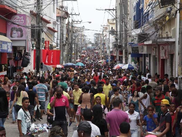 Rua Grande é um dos principais pontos de circulação da população de São Luís