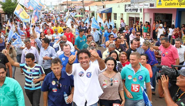 Lobão Filho reuniu 3 mil pessoas em grande caminhada em Sítio Novo