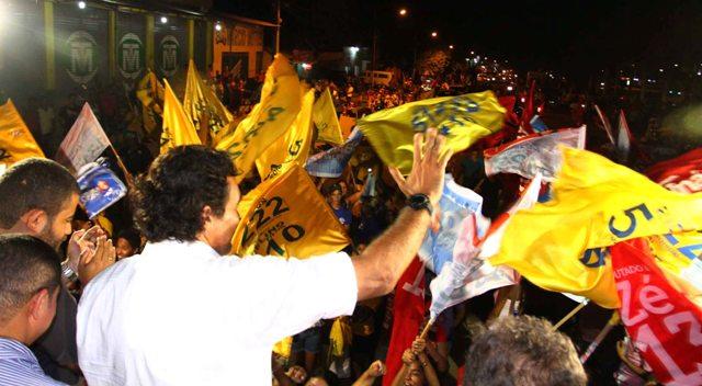 Lobão Filho apresenta suas propostas de governo para militantes e para a população de Itinga do Maranhão (Fotos: Gilson Teixeira)