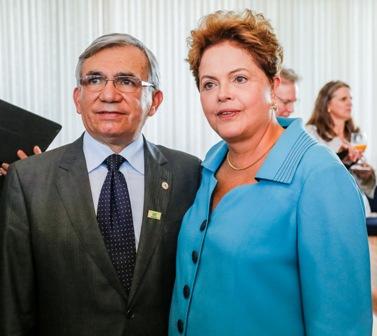 Reitor da UFMA, Natalino Salgado, com a presidente Dilma Rousseff
