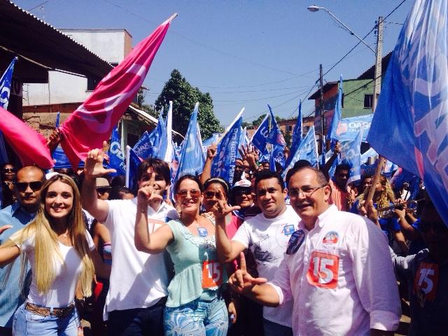 Com aliados e militância, Paulinha levou mensagem do candidato Lobão Filho ao povo de Ribamar