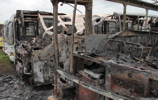 Rodoviários decidiram parar novamente por medo de mais ataques a ônibus