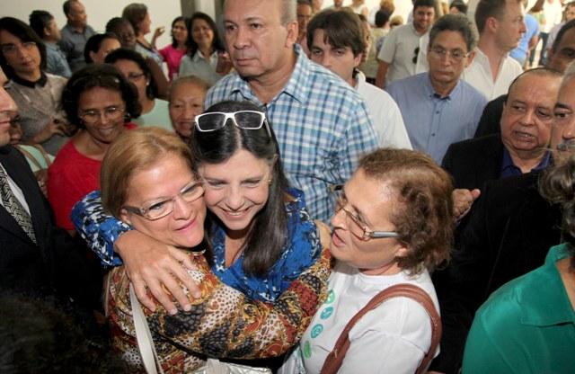Governadora recebeu o carinho de funcionários e admiradores durante a inauguração