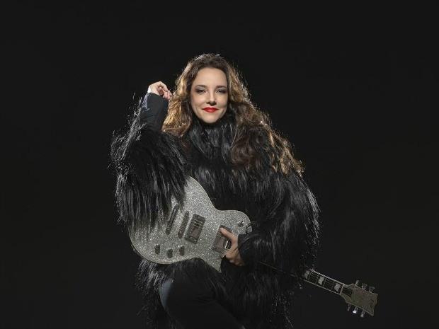 Turnê é baseada nas canções inéditas do disco homônimo da cantora