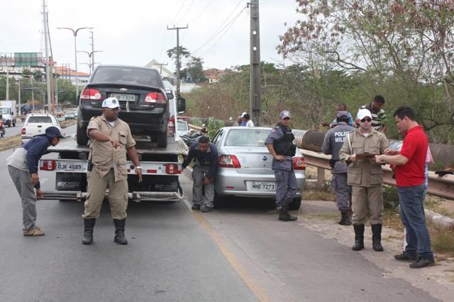 Cerca de 350 carros e 80 motos foram apreendidos desde o início da operação, que conta com apoio da PM
