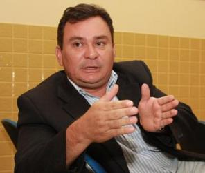 Ivaldo ainda não sabe se atentado foi motivado por disputa política ou se foi pratica por facção criminosa