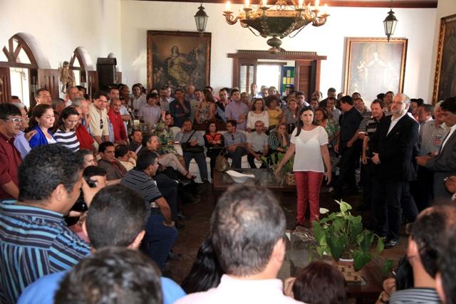 Mais de 100 prefeitos, vereadores e lideranças de todo o Maranhão atenderam ao chamado de Roseana