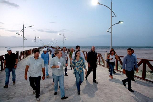 Governadora Roseana Sarney e comitiva em vistoria a obra de urbanização do Espigão Costeiro