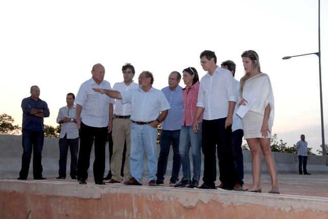 Governadora Roseana é informada pelo secretário José Raimundo Frazão sobre o andamento da Via Expressa