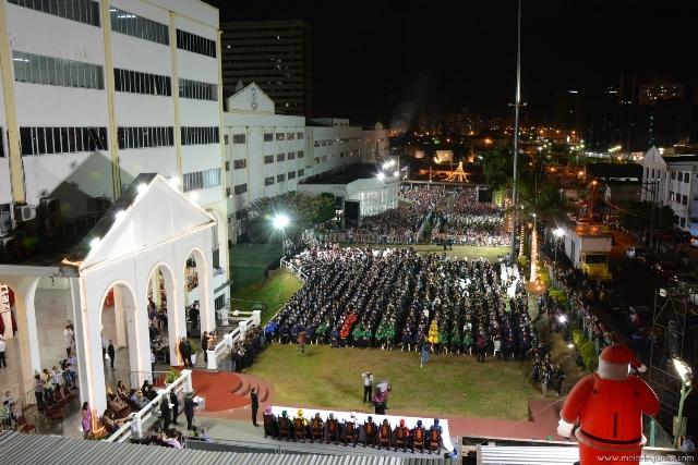 Instituição diplomou graduandos em 28 cursos nas áreas de saúde, tecnologia, humanas e licenciatura