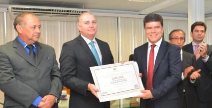 """Deoclides Macedo como suplente de deputado federal eleito pela coligação """"Todos pelo Maranhão 2"""""""