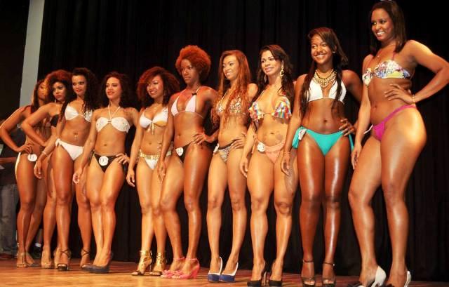 Dez candidatas foram selecionadas para concorrer aos títulos de Rainha e Princesas do Carnaval