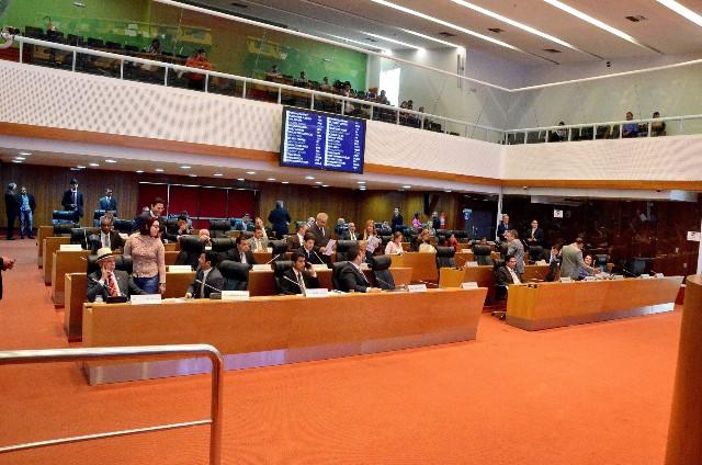 AL oficializou os membros das 12 Comissões Permanentes que atuarão durante o quadriênio 2015/2018 da 18ª Legislatura