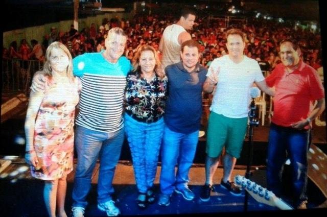 Comitiva liderada pelo prefeito Josemar prestigiou a abertura da folia em Paço do Lumiar