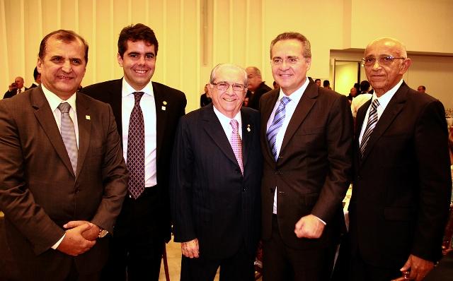 Adriano Sarney com o Presidente da Fiema, Edilson Baldez, o diretor da Fiema, Cláudio Azevedo, o deputado federal João Castelo e o presidente do Senado Federal, Renan Calheiros