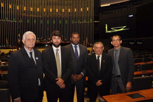 Vereadores José Joaquim, Pedro Lucas Fernandes, Fábio Câmara, Pereirinha e o presidente da Abracam, Rogério Rodrigues