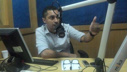 Jornalista Mario Carvalho, um dos âncoras do programa Câmara em Destaque