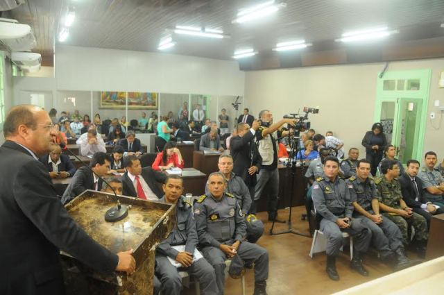De iniciativa do vereador Pavão Filho, reunião avaliou medidas adotadas pelo Estado no sistema de segurança pública e penitenciário nos primeiros 85 dias de novo governo