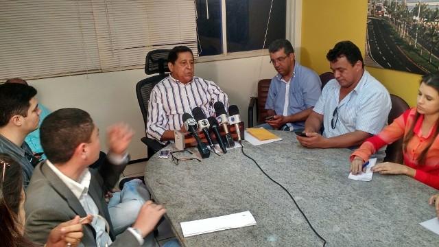 Secretário Canindé Barros anunciou reajuste de 16$ nas passagens de ônibus em coletiva