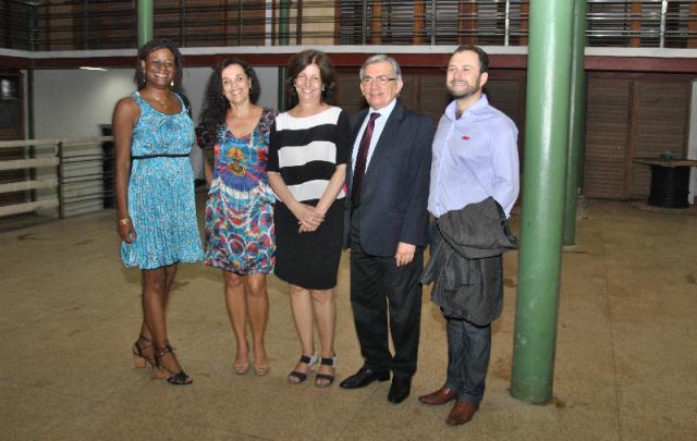 Reitor Natalino Salgado, presidente do IPHAN, Jurema Machado, superintendente regional do IPHAN, Kátia Bogéa, e assessores em visita ao prédio
