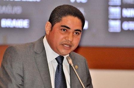 Zé Inácio vai acionar Procon e MP contra reajuste de passagens