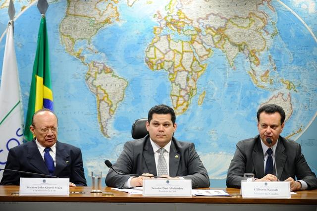 João Alberto fez a denúncia durante audiência pública na Comissão de Desenvolvimento Regional e Turismo (CDR), na presença do ministro das Cidades, Gilberto Kassab