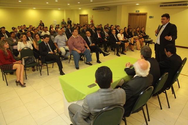 Cerca de 200 advogados participaram do ato no qual Valéria Lauande anunciou sua candidatura á presidência da OAB-MA