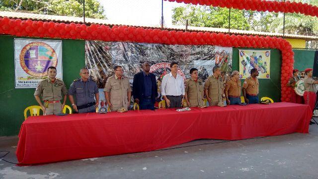 """Autoridades prestigiaram aula inaugural do projeto """"Bombeiro Mirim Força Jovem"""", em Bacabeira"""